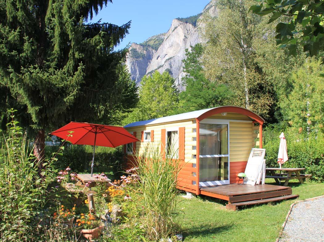 Camping en Isère : où le passer dans le luxe ?